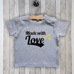 T-shirt met tekst Made with love