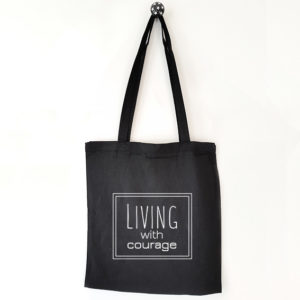Katoenen tas met tekst Living with courage