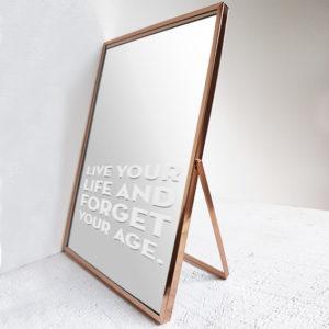 Spiegel Courage met tekst Live your life