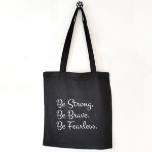 Katoenen tas met tekst Be strong be brave