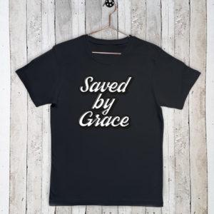 Basis t-shirt met tekst Saved by grace