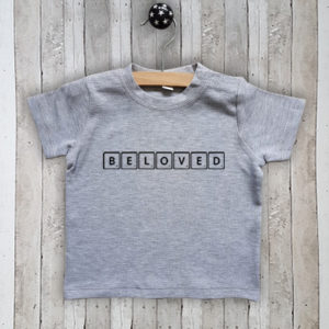 T-shirt met tekst Beloved