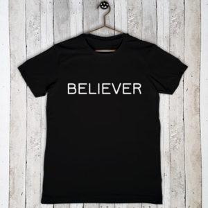 Stretch t-shirt met tekst Believer