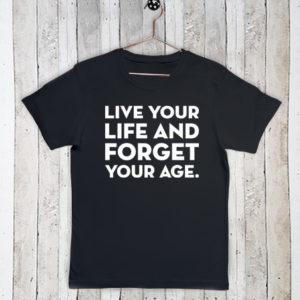 Basis t-shirt met tekst Live your life