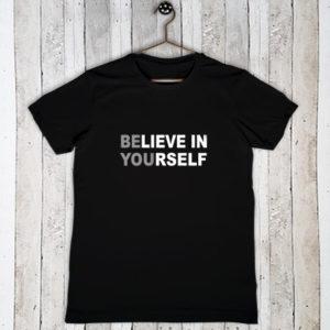 Stretch t-shirt met tekst Reckless love of God